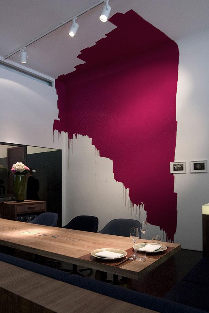 die setzung wurde in der hausfarbe seines restaurants angelegt