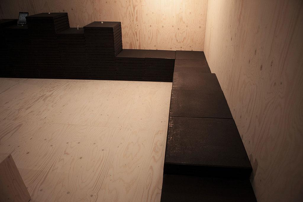 temporäre architektur mittels ehrlichem konstruktionsmaterial