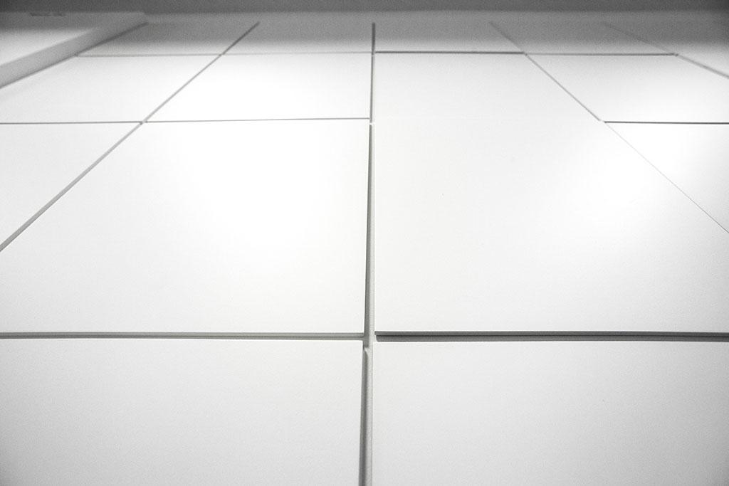 minimalistische schilder in ein einfaches raster gesetzt